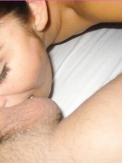 Матерая домохозяйка облизала конец возлюбленного - секс порно фото