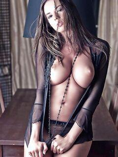 Подборка красивых девушек с натуральной грудью - секс порно фото