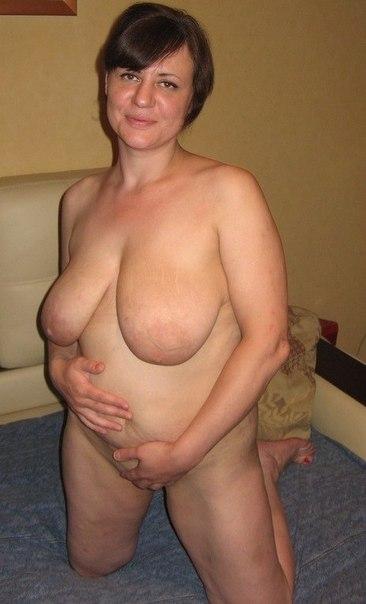 Оголенные дамы сверкают пышными бюстами - секс порно фото