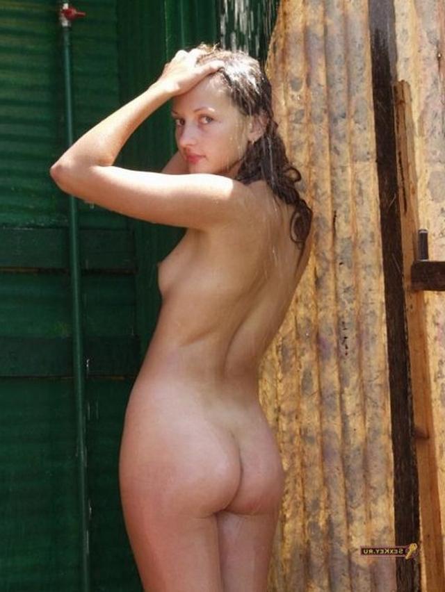 Сельские давалки показывают пилотки - секс порно фото