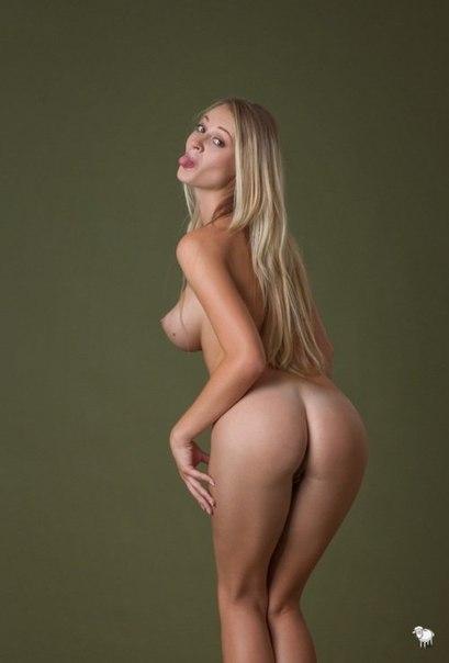 Упругие булочки сексуальных красоток - секс порно фото