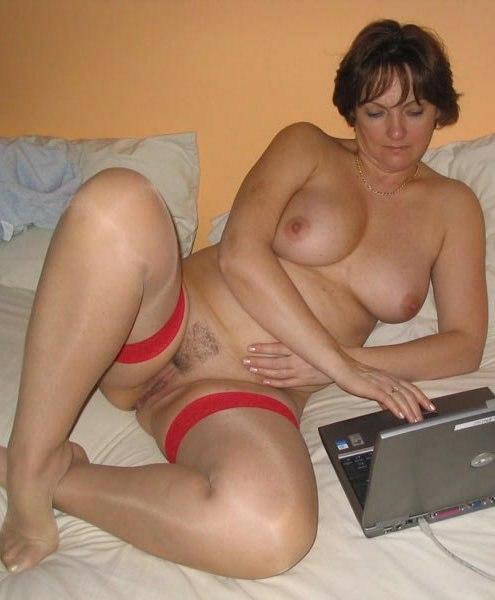 Знатные давалки не прикрывают растраханные письки - секс порно фото