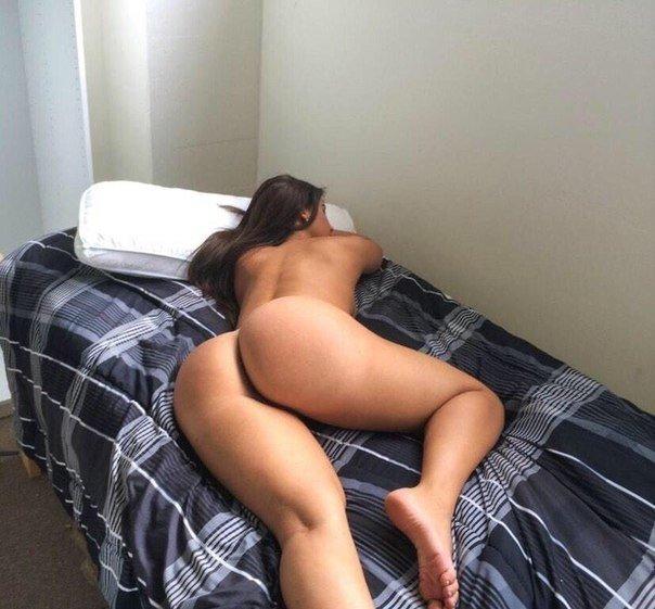 Ненасытные шалавы показали прелести перед поркой - секс порно фото