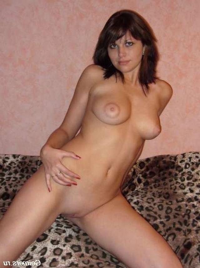 Подставляют анальные дырочки и вагины для больших пенисов - секс порно фото