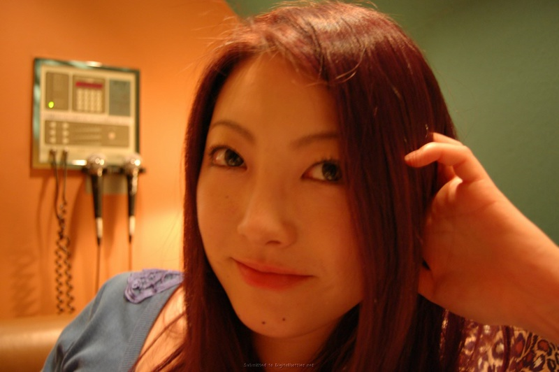 Азиатка с волосатой промежностью разработала вульву и отсосала - секс порно фото