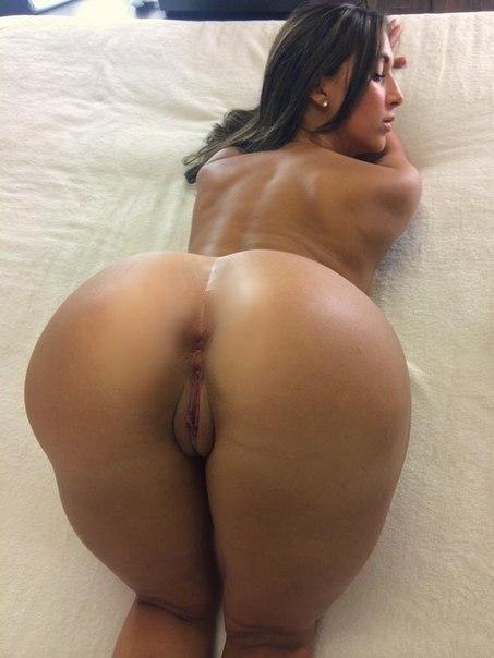 Ловеласы вогнали стержни в попки проказниц - секс порно фото