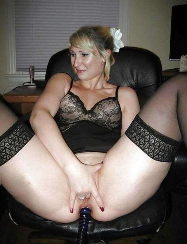 Сисятые сучки раздвигают ножки перед партнерами - секс порно фото