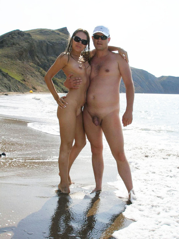 Супружеские парочки голышом на пляже - секс порно фото