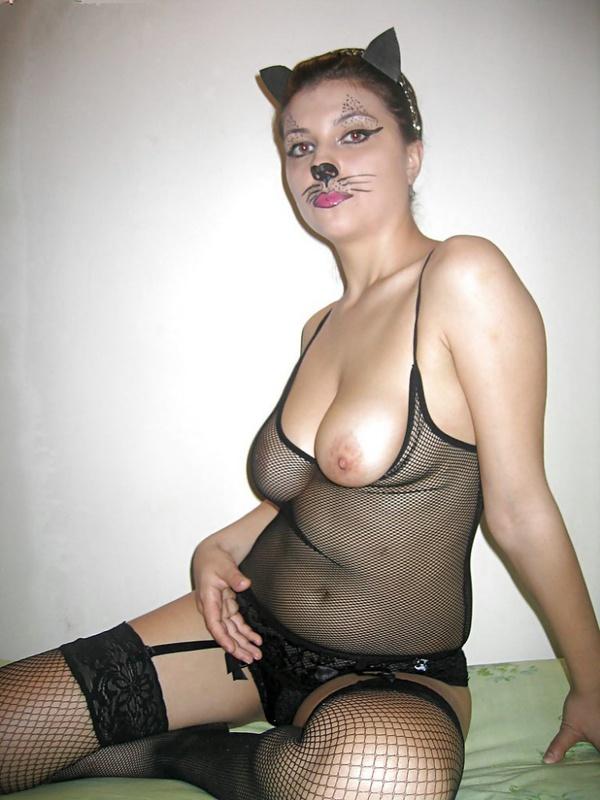 Устроила ролевые игры и отставила пятую точку - секс порно фото