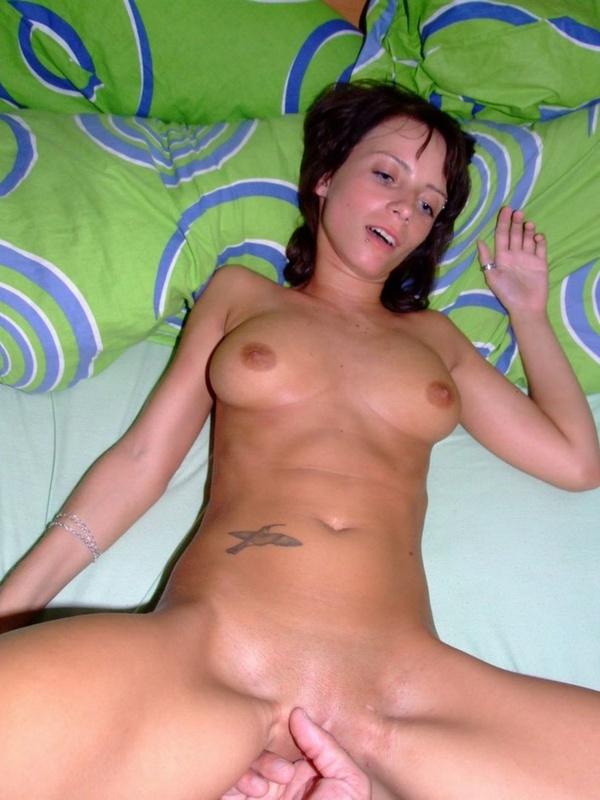 Баловница скачет на пенисе напористого любовника - секс порно фото