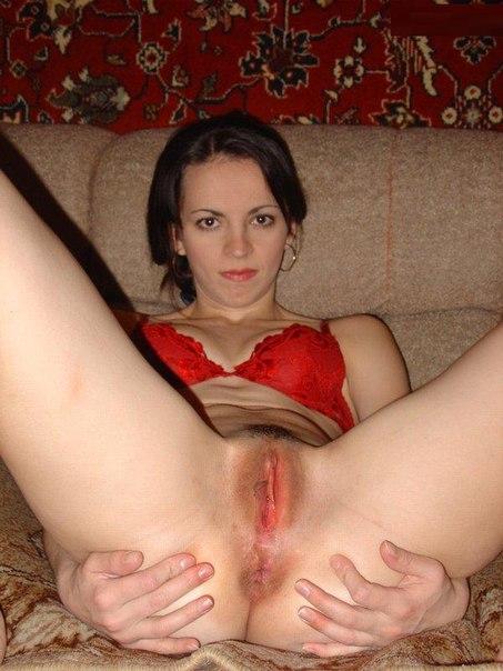 Любительницы показывают упругие попки и голые письки - секс порно фото