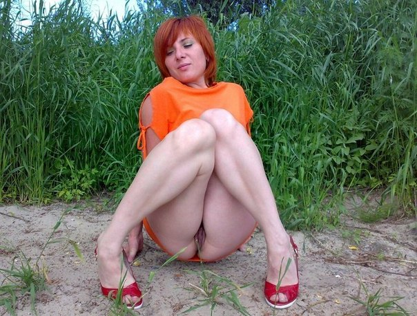 Горячие мамочки позируют дома голышом - секс порно фото