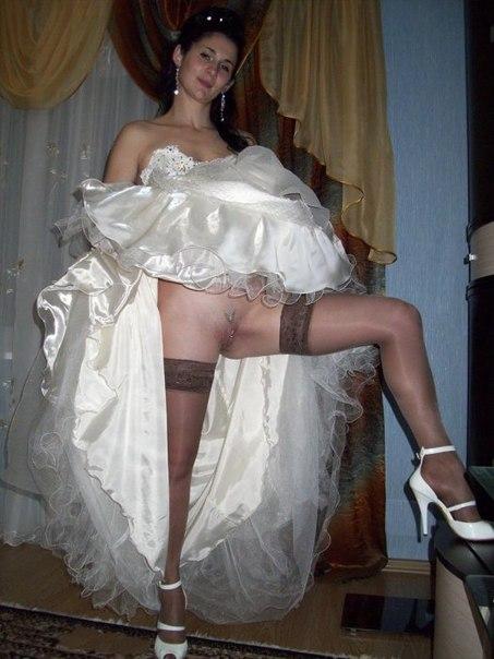 Замужние женщины показывают голые попки - секс порно фото