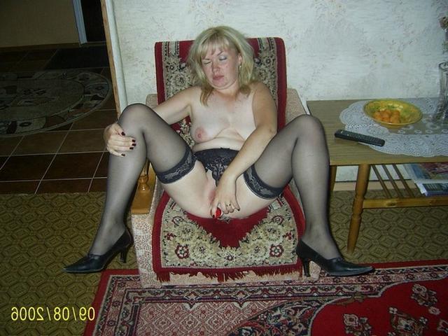 Домохозяйки в сексуальном нижнем белье и голышом - секс порно фото