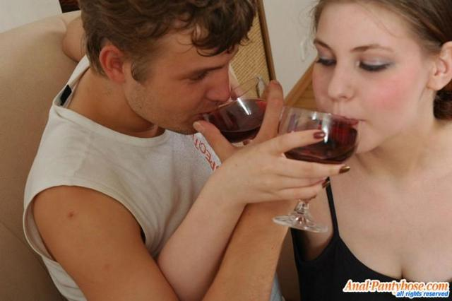 Выпила и трахнулась с мачо в анус - секс порно фото