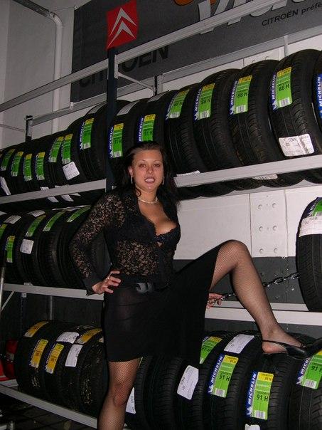 Приехала на автосервис и взяла у работников за щеку - секс порно фото